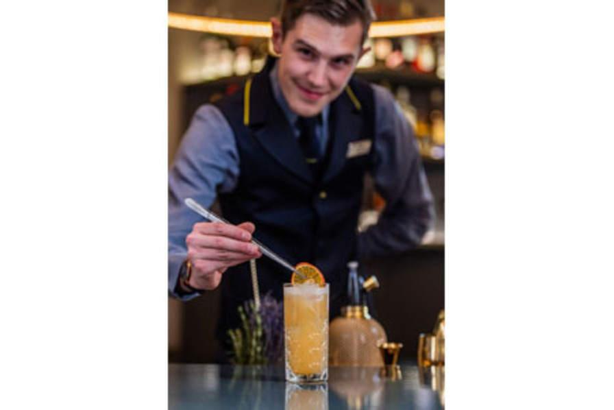http://www.pax-intl.com/passenger-services/terminal-news/2018/09/14/%E2%80%8Beurostar-crafting-cocktails-in-london-lounge/#.W6JYra2ZNE4
