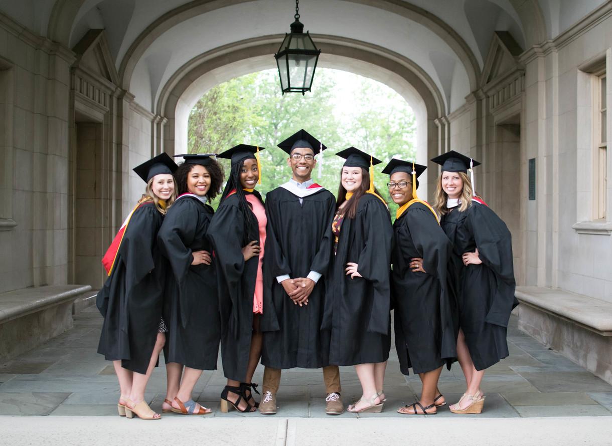 018 Master's in Speech Pathology graduates under the Upham Arch