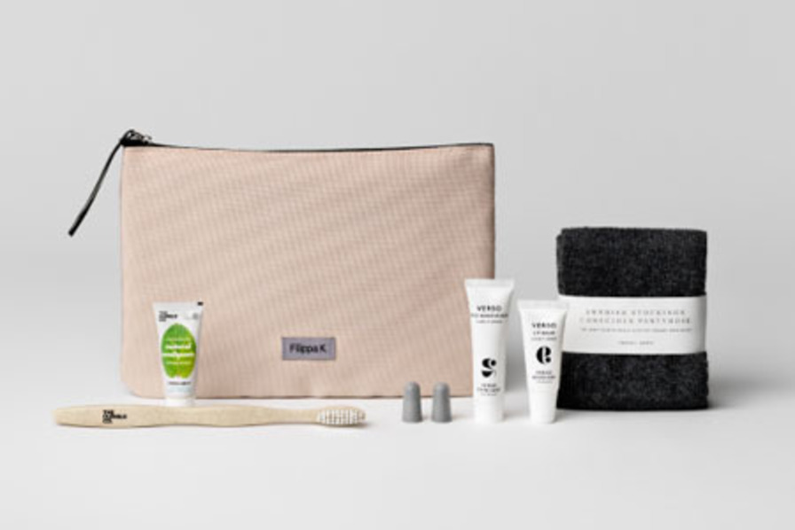 http://www.pax-intl.com/passenger-services/amenities-comfort/2018/12/18/sas-introduces-sustainable-business-class-kits/#.XBpje62ZNE4