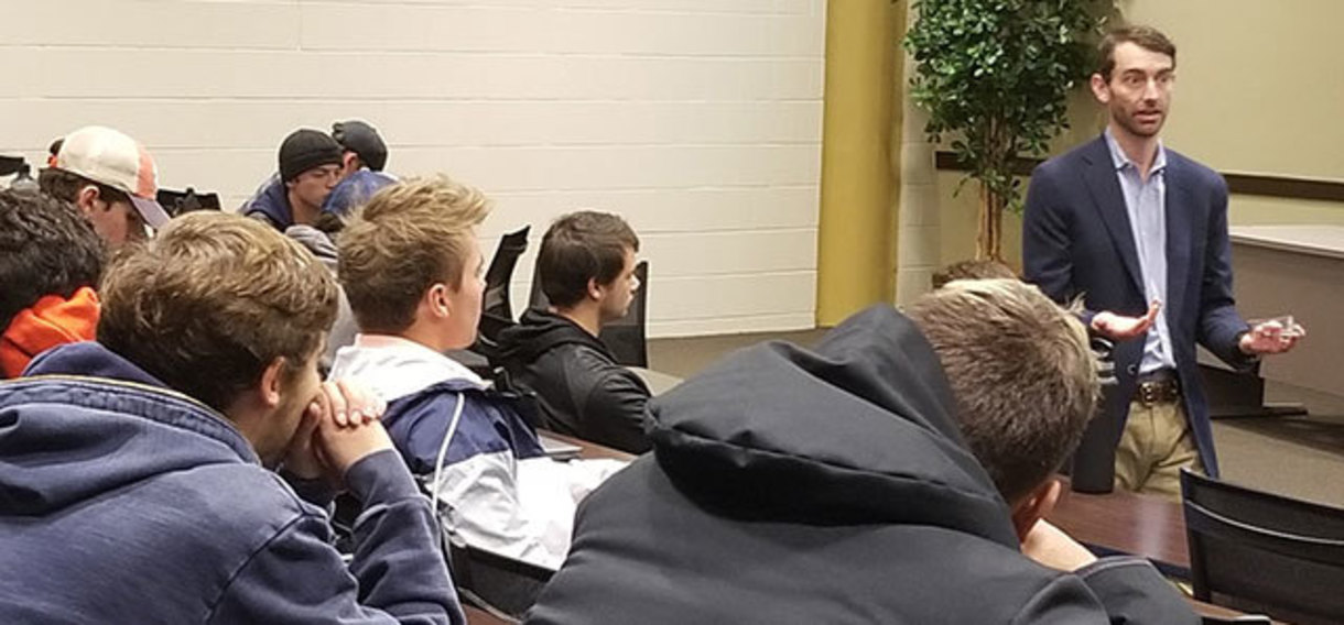 Reed Watson of The Hayek Center for the Business of Prosperity speaks to Business 1010 students.