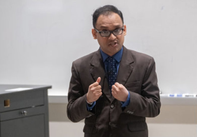 Lasith Kariyawasam, graduate student working in Scott Hartley's lab won the 2019 People's Choice award at the Three-Minute Thesis competition.