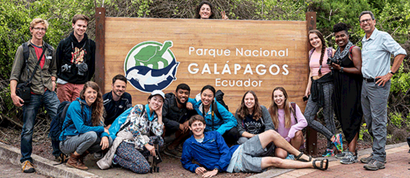 Planet Forward Students in the Galapagos