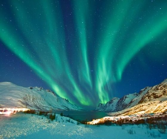 northern lights, blue/green sky