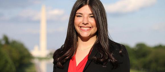 Lauren Peller in front of the Washington Monument