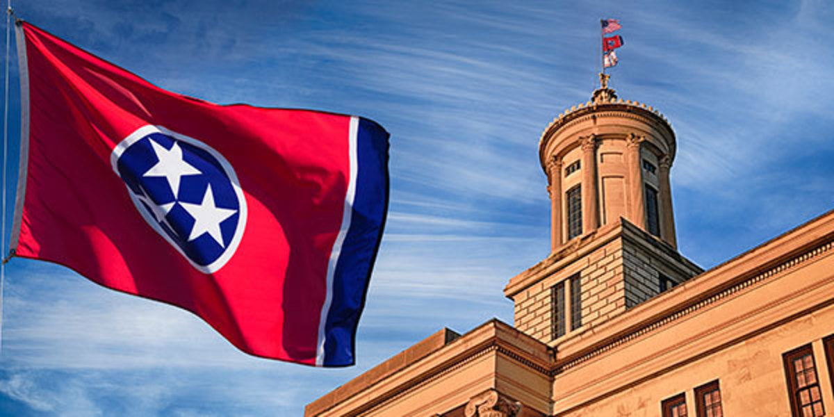 Tennessee State Capitol and Flag
