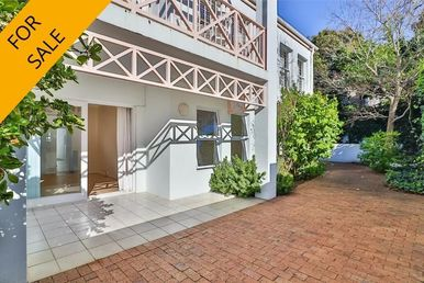 3 Bedroom Townhouse For Sale in Kenilworth Upper