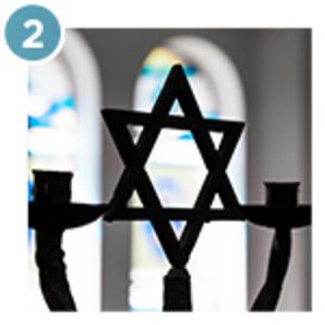 Photo pf star of david fence at synagogue