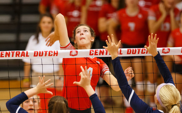Photo of Central College Dutch volleyball players