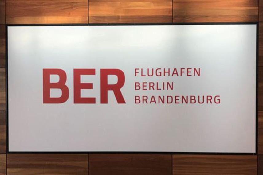 https://www.pax-intl.com/passenger-services/terminal-news/2020/11/02/lufthansa-flight-from-muc-lands-first-at-ber/#.X6F5VS_b3OQ