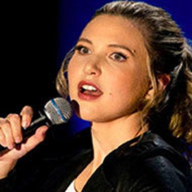 Taylor Tomlinson performing