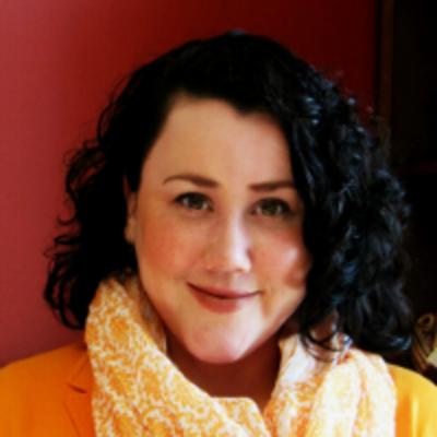 Dr. Katie Cahill headshot