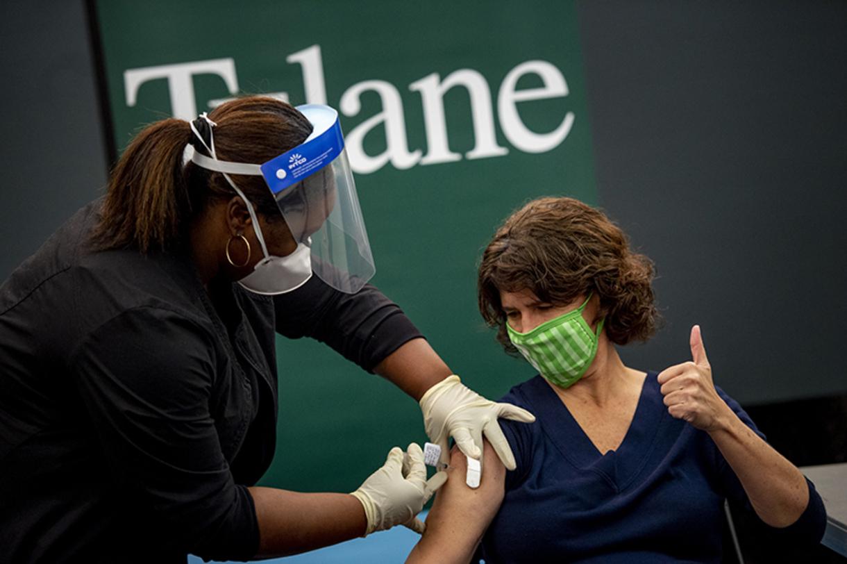 Lisa Morici receives vaccine