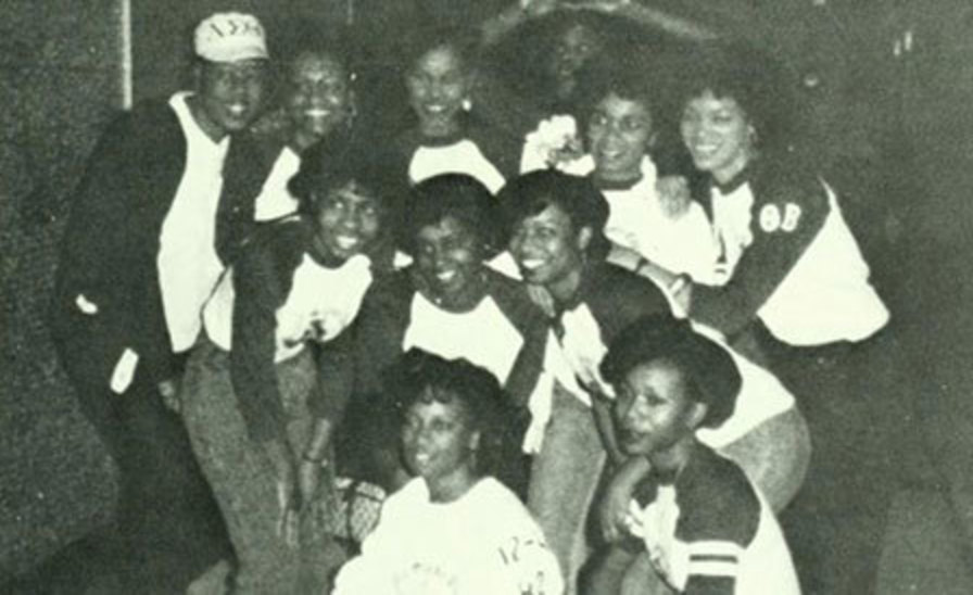 group photo of members of Delta Sigma Theta in 1987