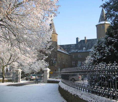 Winter view of the Château de Differdange, where Miami's Luxembourg campus, the John E. Dolibois European Center, often abbreviated to MUDEC, is located