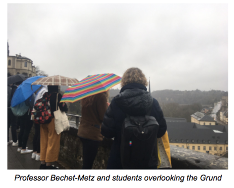 Professor Bechet-Metz and students overlooking the Grund