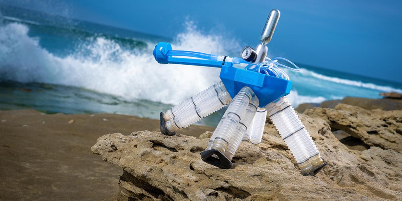 Robot at the beach