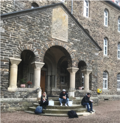 Students on steps of Abbey