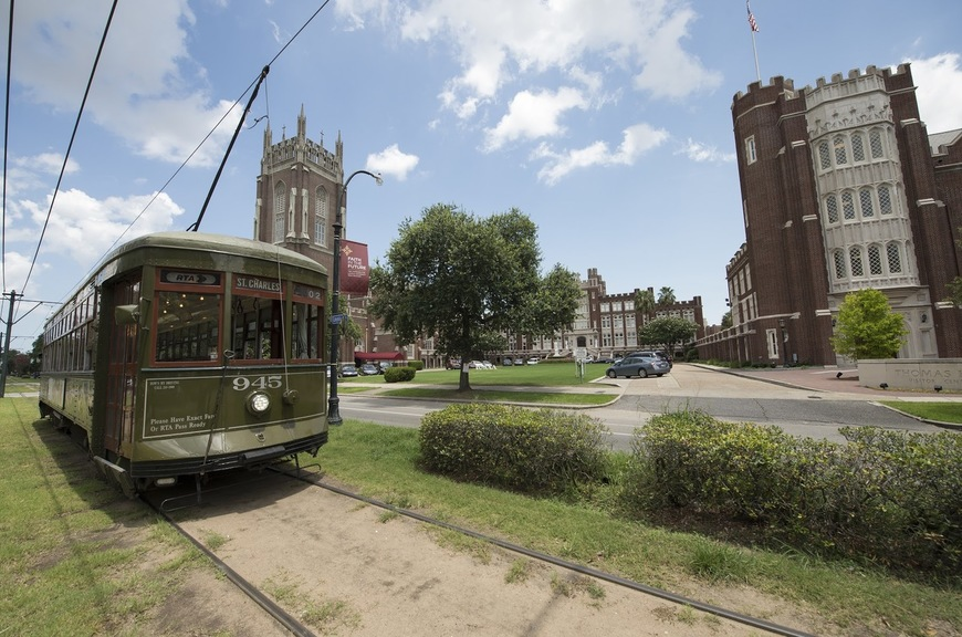The St. Charles streetcar passing in front of Loyola's campus