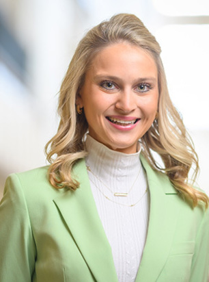 Photo of Class of 2021 Valedictorian Madeline Owen