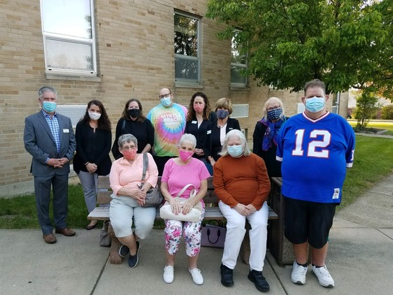A photo of staff members, tenants from People Ine c. Senior Living and peoplfrom one of our Hamburg-based group homes.
