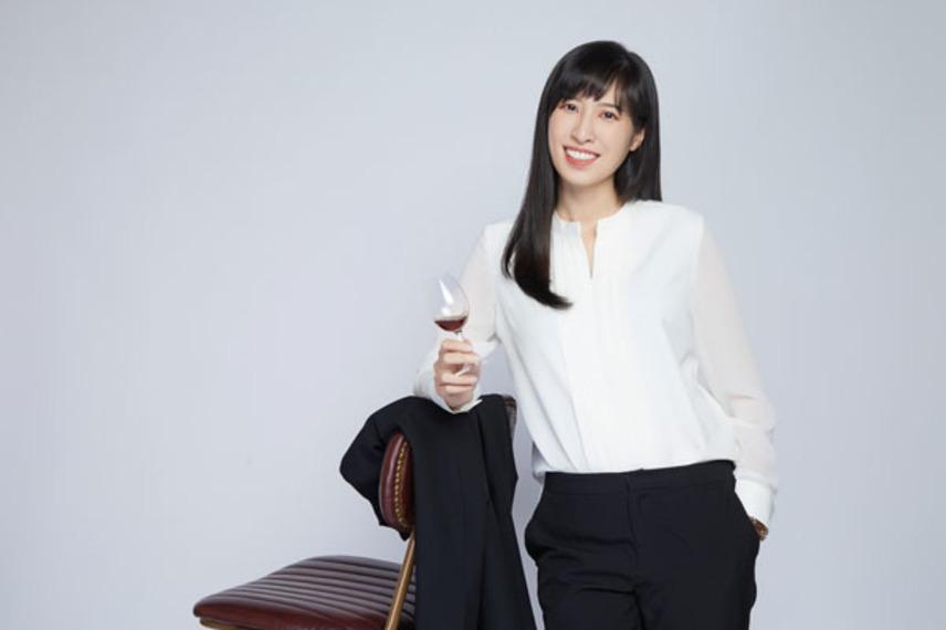 https://www.dutyfreemag.com/asia/business-news/people/2021/06/22/women-in-business-profile-kaitlyn-tsai-at-kavalan-distillery/#.YNIKyy2z2fU