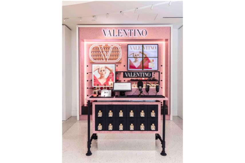 https://www.dutyfreemag.com/americas/business-news/retailers/2021/06/22/loral-travel-retail-americas-opens-1st-valentino-beauty-flagship/#.YNIE8S-95pR