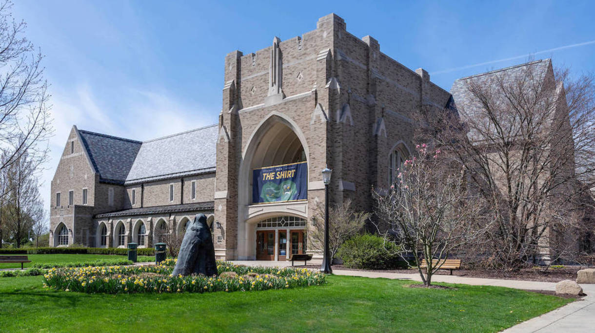 Photo of Hammes Bookstoire on the University of Notre Dame campus.