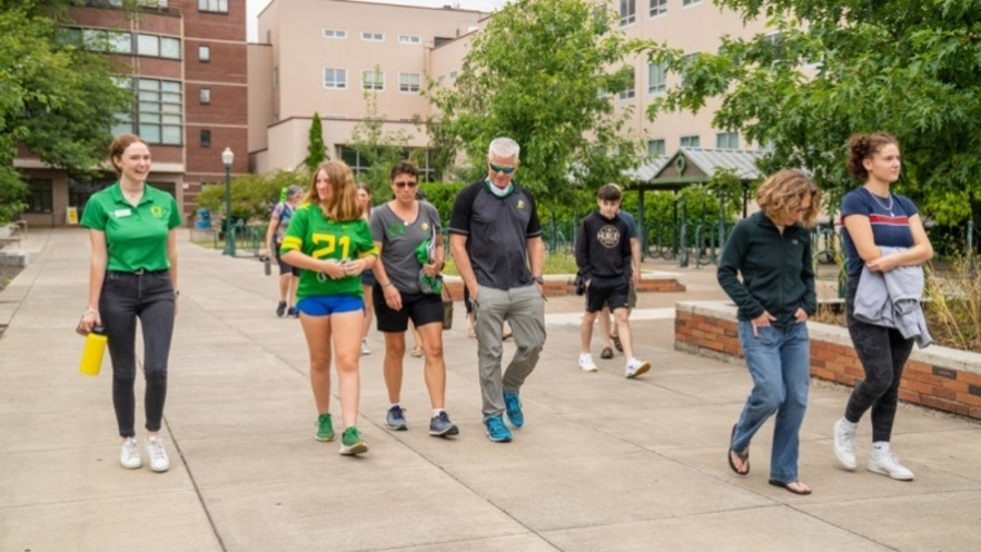 people on campus tour