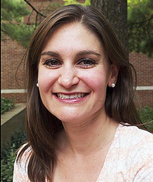 Headshot of Lindsay Seldin wearing a light, floral shirt.