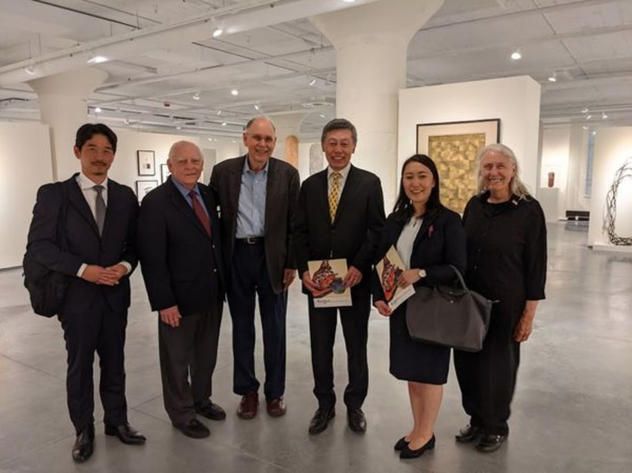 Consul-General Okada with Al and Sharon Durtka, Gallery staff and Consul at art gallery in Wisconsin