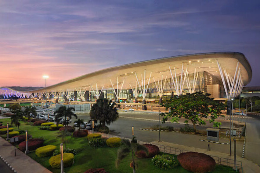 https://www.pax-intl.com/passenger-services/terminal-news/2021/09/07/plaza-premium-to-manage-pax-services-at-blr/#.YTecNS271pQ