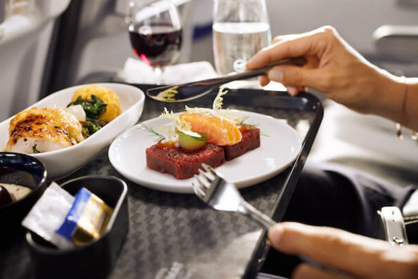 https://www.pax-intl.com/passenger-services/catering/2021/09/08/lufthansa-launches-new-bc-meal-concept/#.YTtteS271pQ