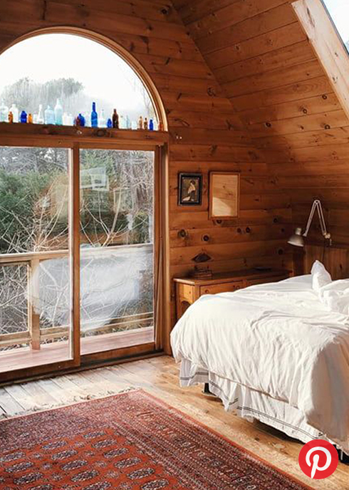 A bedroom in a cabin