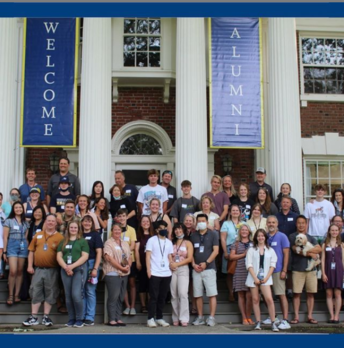 Photo of alumni parents and students